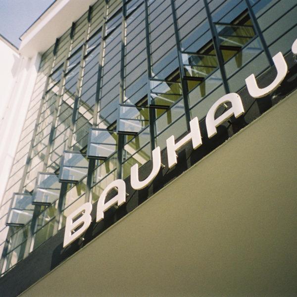 BauhausType 600x600 homepage   Clast srl: porte, portoni, sicurezza, cancelli, automazioni. Via Soncino 5, Trescore Cremasco