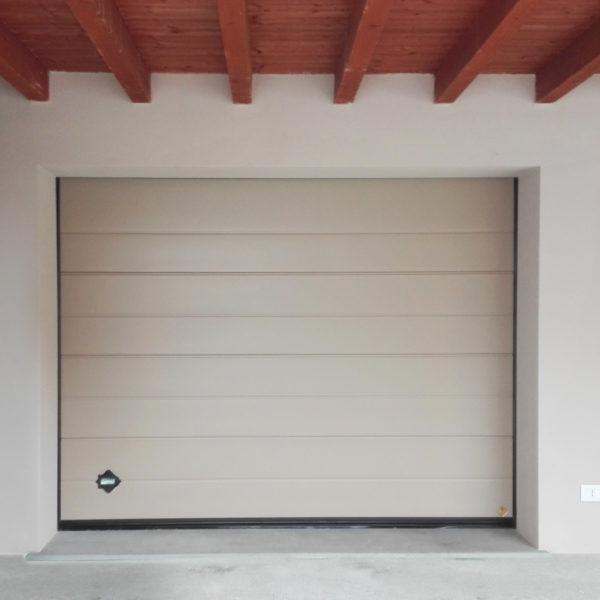 01 600x600 Il mondo Clast | Clast srl: porte, portoni, sicurezza, cancelli, automazioni. Via Soncino 5, Trescore Cremasco
