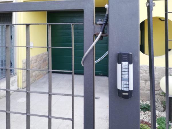 WhatsApp Image 2019 11 19 at 14.25.342 600x450 Casa e garage: sicurezza a 360° con Clast! | Clast srl: porte, portoni, sicurezza, cancelli, automazioni. Via Soncino 5, Trescore Cremasco