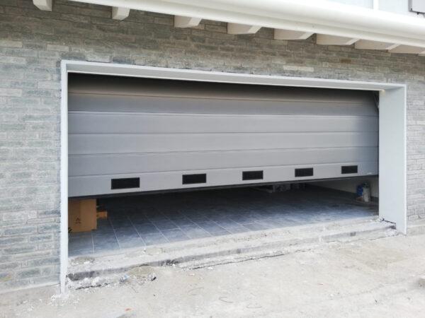 WhatsApp Image 2021 01 28 at 11.04.09 600x450 Quando serve qualità per il garage e la casa, lì cè Clast | Clast srl: porte, portoni, sicurezza, cancelli, automazioni. Via Soncino 5, Trescore Cremasco