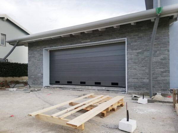 WhatsApp Image 2021 01 28 at 11.04.10 600x450 Quando serve qualità per il garage e la casa, lì cè Clast | Clast srl: porte, portoni, sicurezza, cancelli, automazioni. Via Soncino 5, Trescore Cremasco