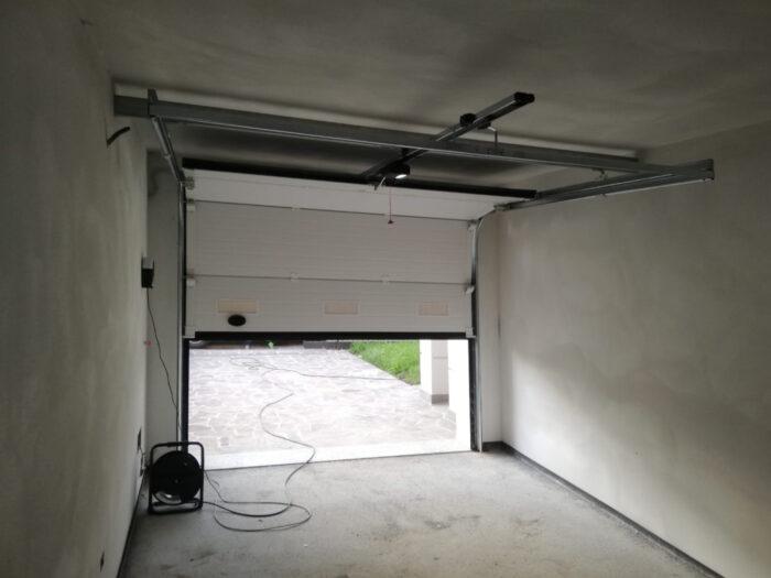WhatsApp Image 2021 02 14 at 20.01.54 1 700x525 Benvenuti nel vostro nuovo garage targato Clast! | Clast srl: porte, portoni, sicurezza, cancelli, automazioni. Via Soncino 5, Trescore Cremasco